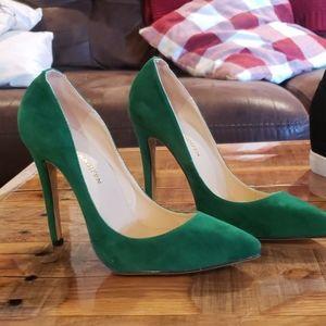Loslandifen Shoes - Emerald Green Stilettos 😍